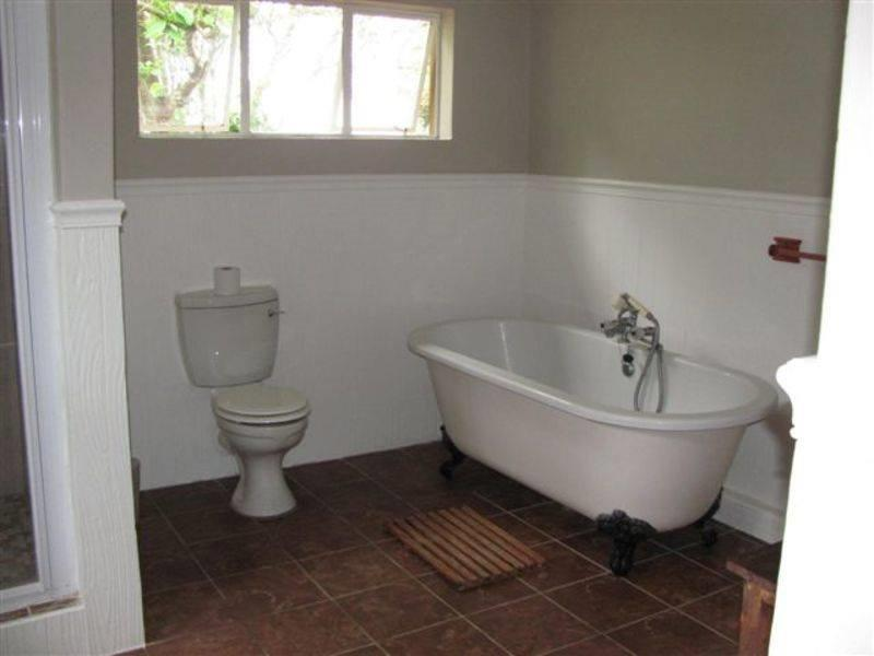 Bathroom at the big 5 wildlife volunteer project in South Africa